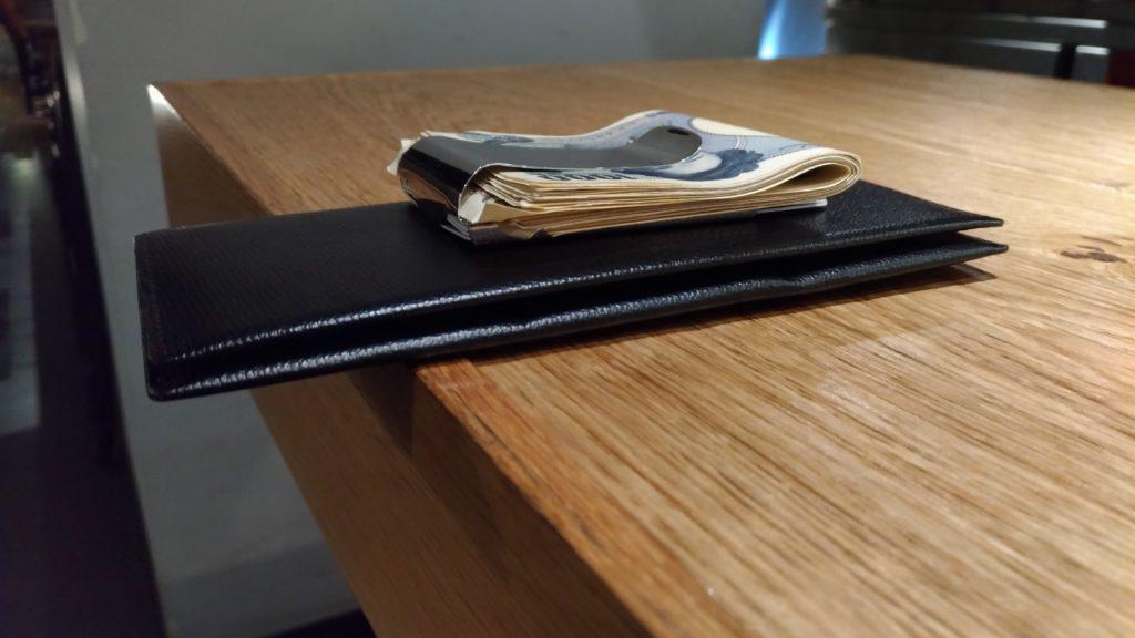 マネークリップ 財布